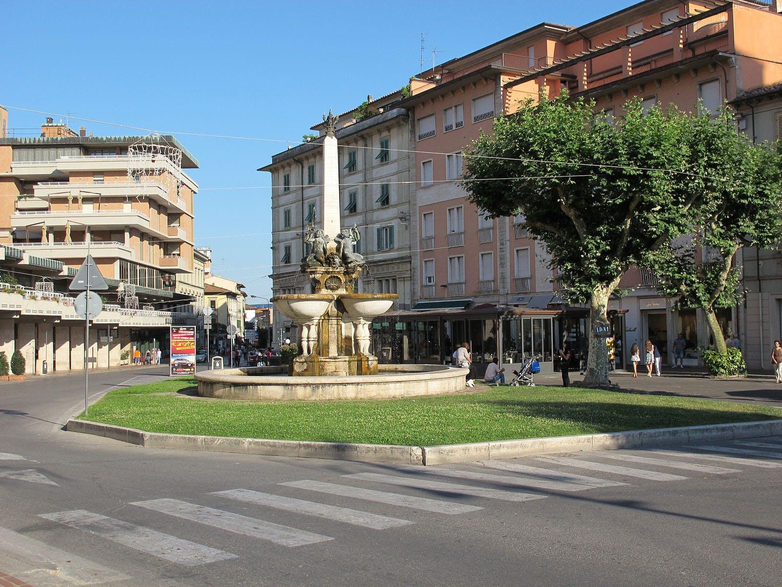 1589016989100317 montecatini  piazza del popolo